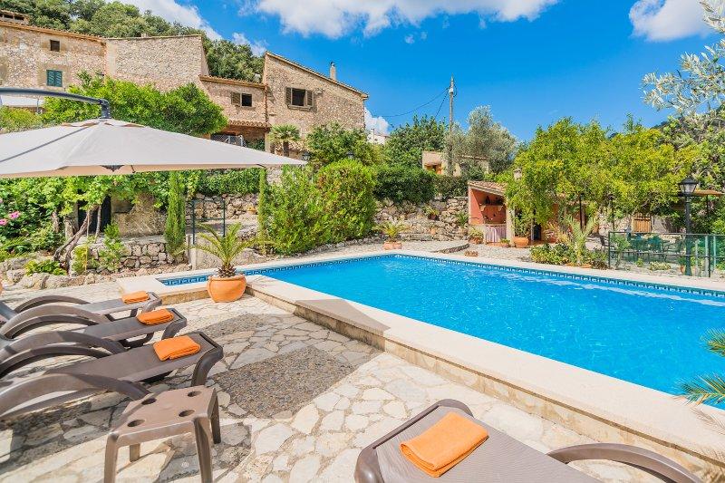 Villa with private pool in Pollença (Can Pau), alquiler de vacaciones en Pollença