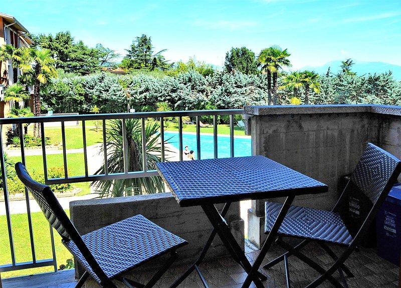 Terrazzo abitabile con vista piscina