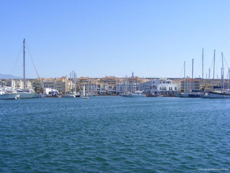 3 puertos fuera Almerimar
