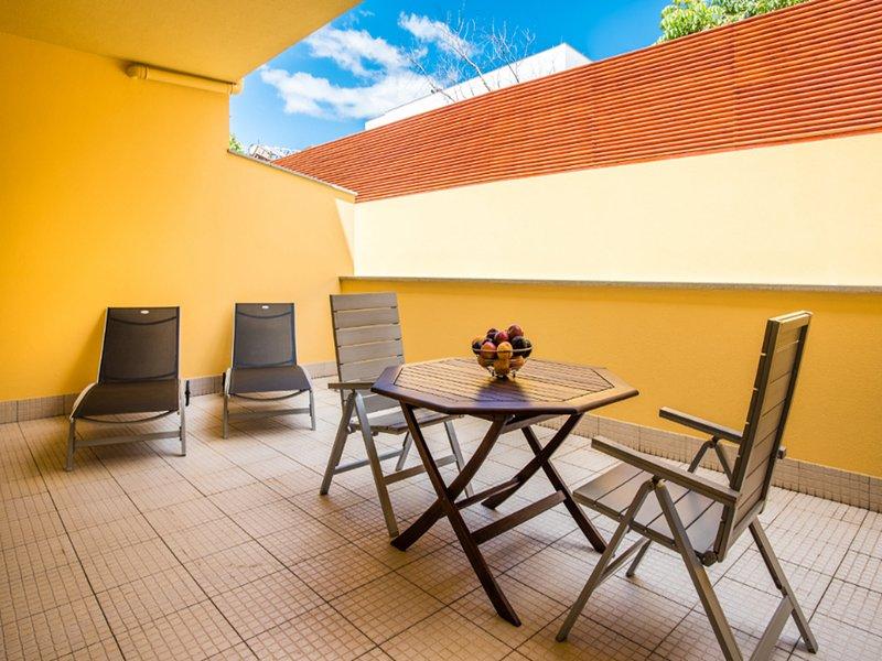 Large Private Terrace (25 SQM / 269 SQFT)
