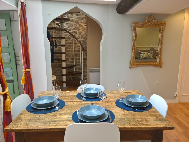 Authentic village house near Carcassonne, vacation rental in Aragon