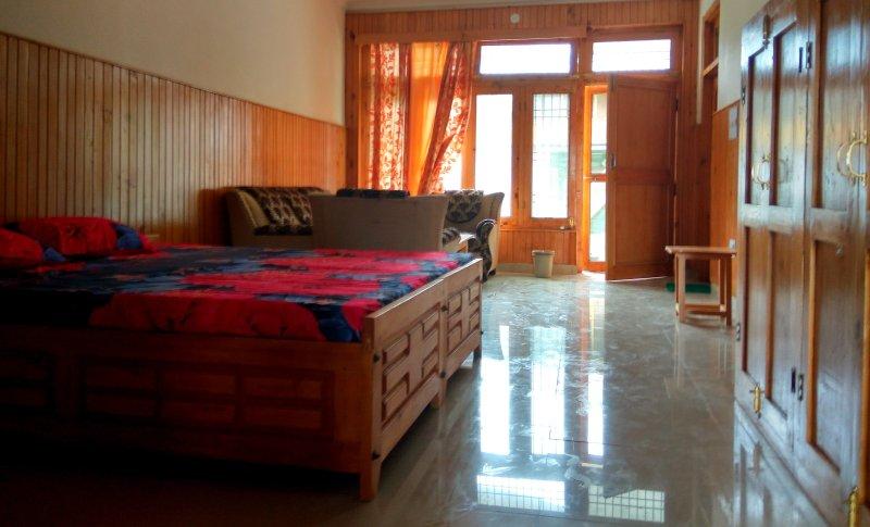 Shangharh (GHNP) Luxury Rooms, alquiler vacacional en Kullu