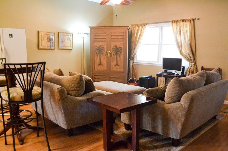 Family/Pet Friendly Coastal Home with Pool-Savannah/Brunswick/Ft. Stewart/HHI, aluguéis de temporada em Midway