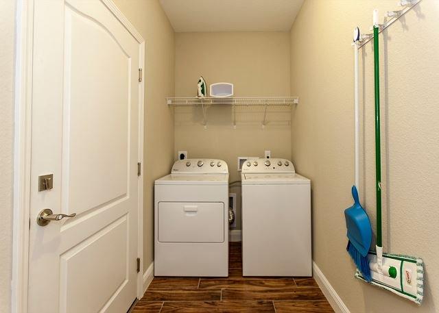 Lavadora y secadora de tamaño completo