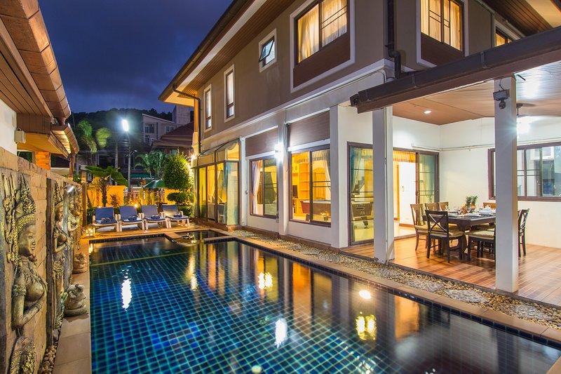 Patong Beautiful private pool villa center Patong, aluguéis de temporada em Kathu