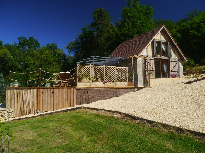 Charming cottage with private pool, stunning views, in the heart of the Dordogne, holiday rental in Bars