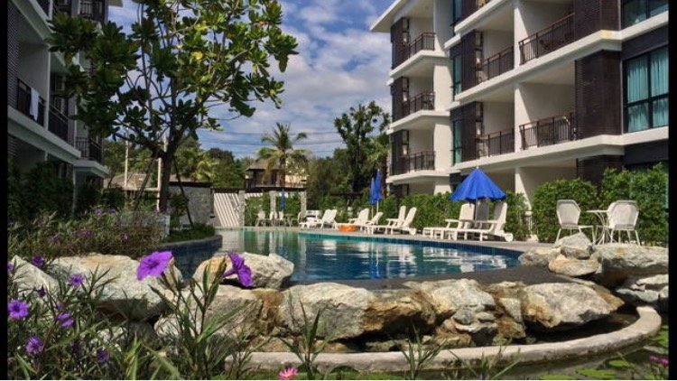 Phuket Rawai Beach Road Condo, casa vacanza a Ya Nui