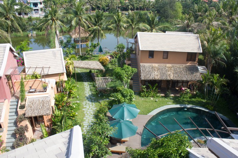 Amazing 2 bedroom Garden View Bungalow - An Villa, holiday rental in Cham Island