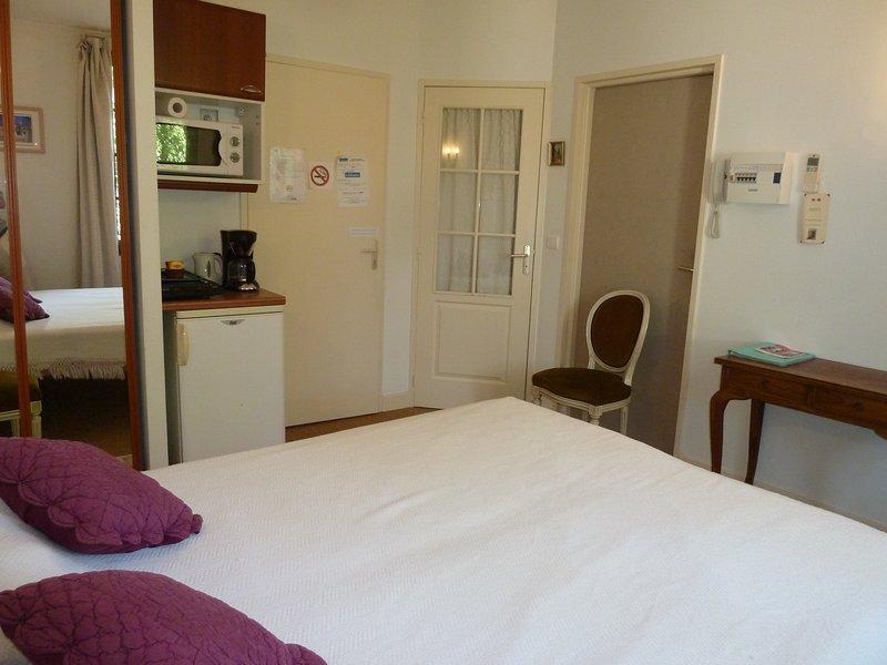 Chambres d'hôtes, aluguéis de temporada em Sainte-Colombe-de-Villeneuve