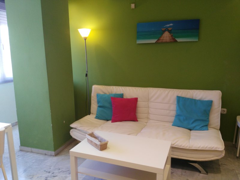 Moderno apartamento con WIFI 5, holiday rental in Pinos Puente