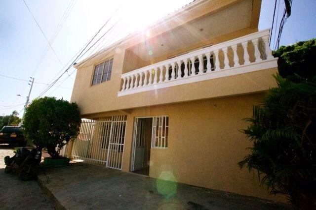 Habitación doble con baño privado externo, holiday rental in San Andres