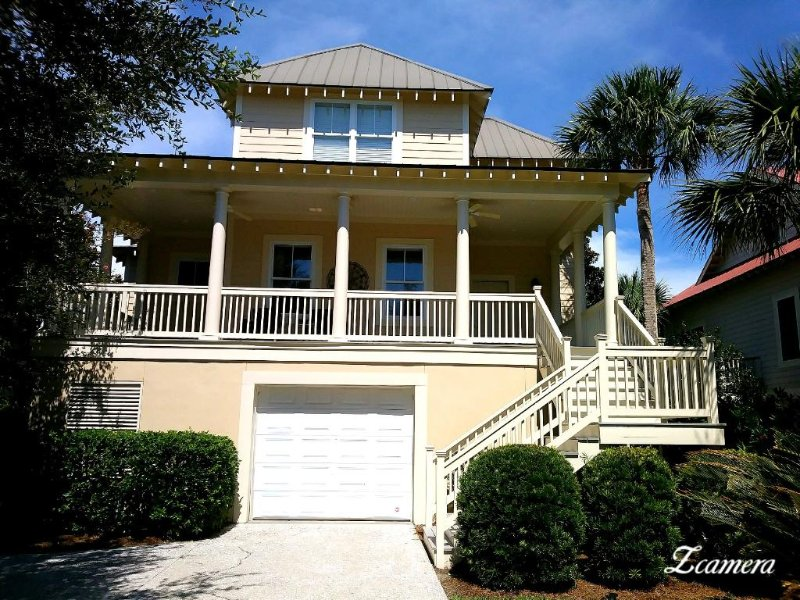 Great beach house located in The Villages of Seabrook--- convenient to all amenities