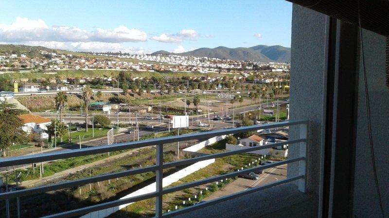 Cómodo y hermoso departamento 2D+1B. Detrás C Enjoy a un paso de la playa!, holiday rental in La Herradura