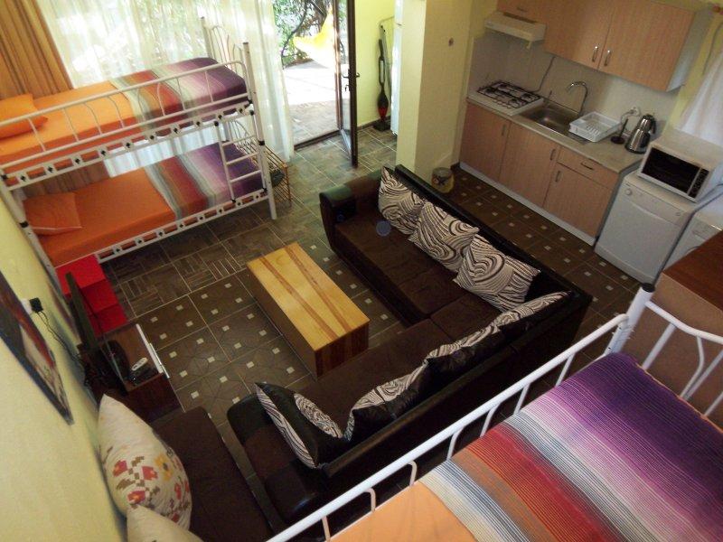 izmir seferihisar ürkmez- Apart1 with garden close – semesterbostad i Urkmez