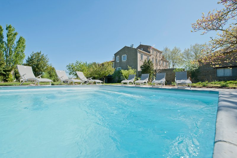 Canet Chateau Sleeps 14 with Pool and Air Con - 5434168, vacation rental in Saint-Nazaire-d'Aude