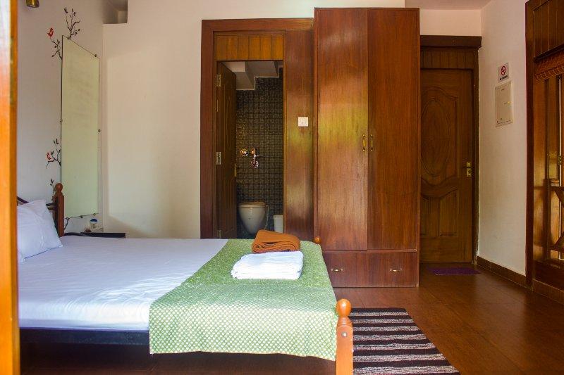 Casa Tropicana- Villa Caroline, holiday rental in Panjim