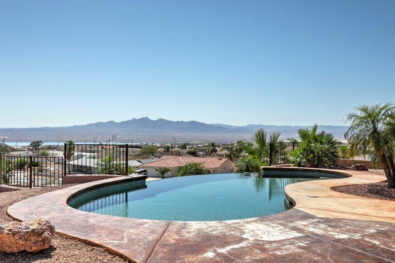 Enjoy views from your private pool deck at this Lake Havasu City house!