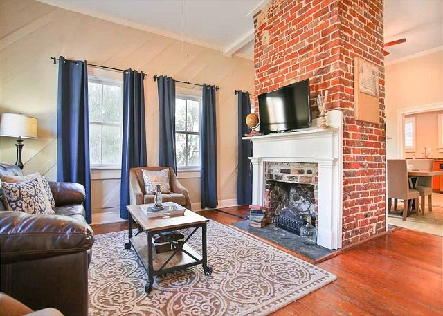 Flexible Refund Policies: Historic Charm and Modern Amenities, vacation rental in Savannah