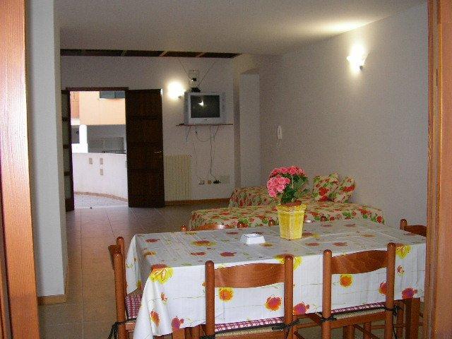 APPARTAMENTO MATINO A 15 KM. DA GALLIPOLI - COLAZIONE AL VICINO BAR-PASTICCERIA, location de vacances à Collepasso