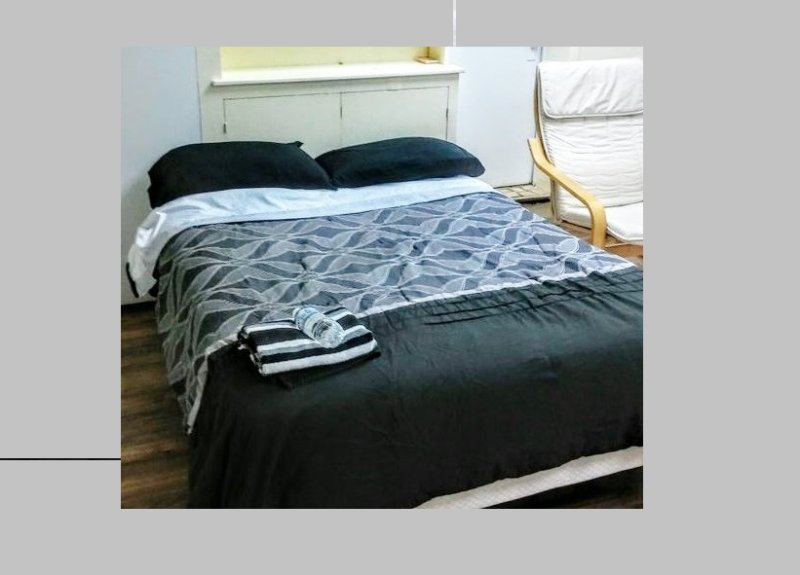 Studio apartment in private home.  Great place to stay. 2 queen beds. Private bathroom. Parking.