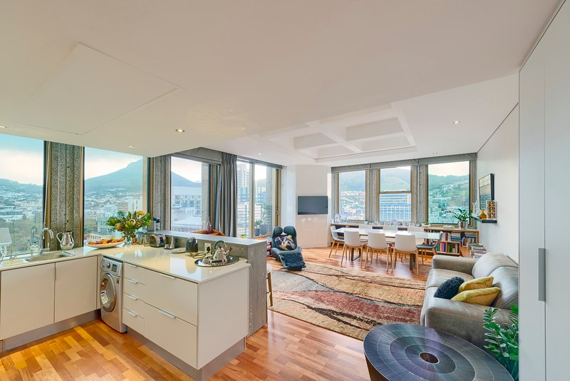 Spacious two bedroom  apartment featuring large bay windows and with spectacular mountain views.