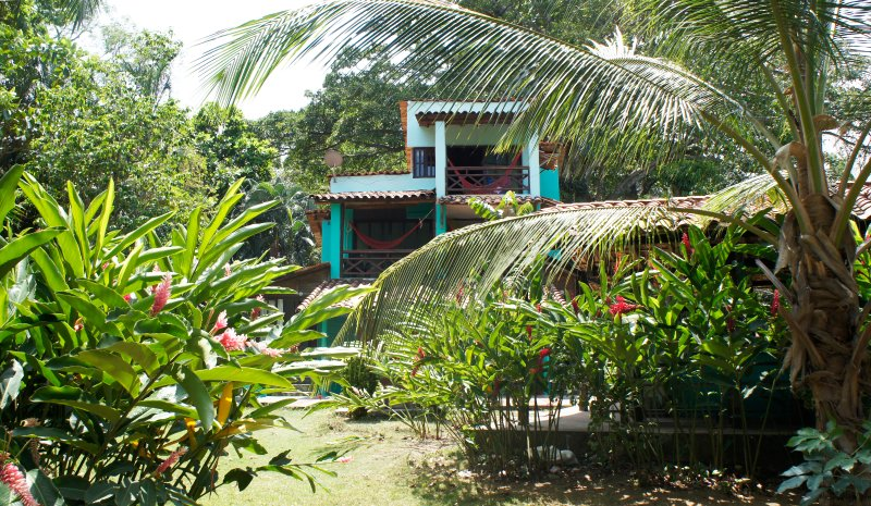 Habitacion Doble con Balcón #1, aluguéis de temporada em Capurgana