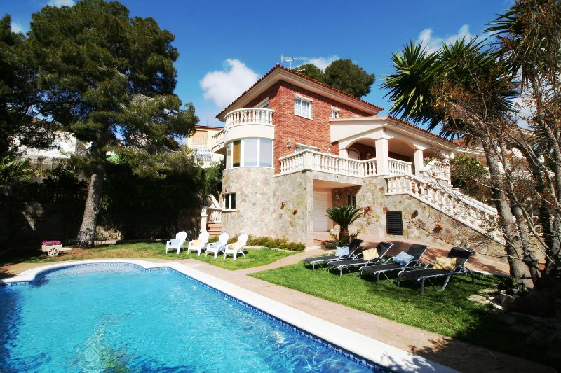 Villa Lotus - Your holiday villa with a private pool in Calafell, Costa Dorada