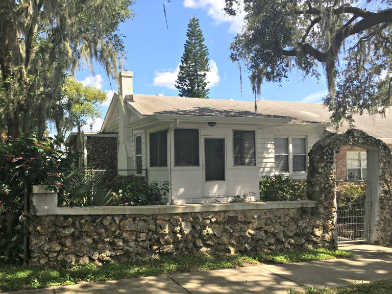 Historical Cozy Cottage, holiday rental in Auburndale