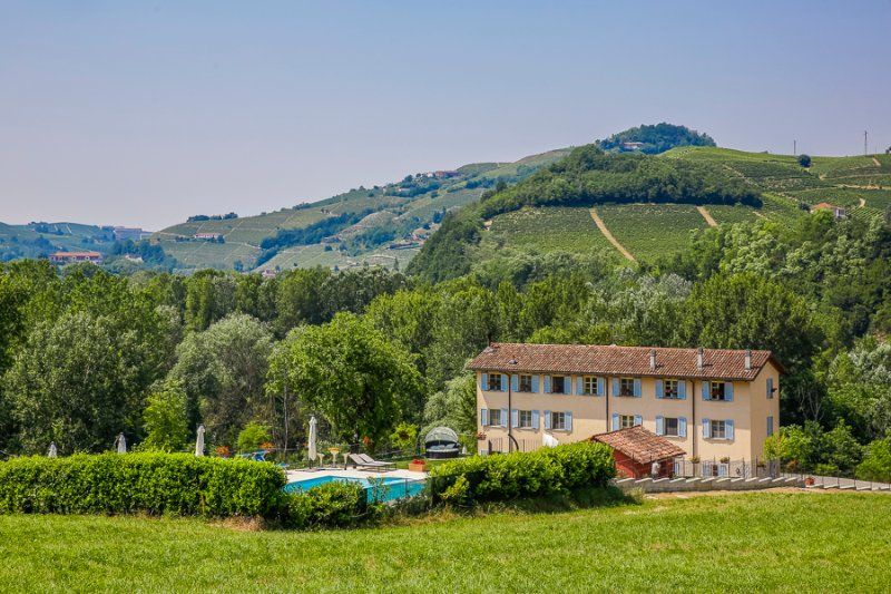 Vigna Dell'Acqua - Apt. 5 - Langhe, vacation rental in Santo Stefano Belbo