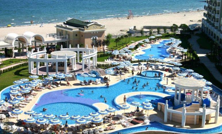 Sunset Resort Pomorie 2 Bed Apt, holiday rental in Pomorie