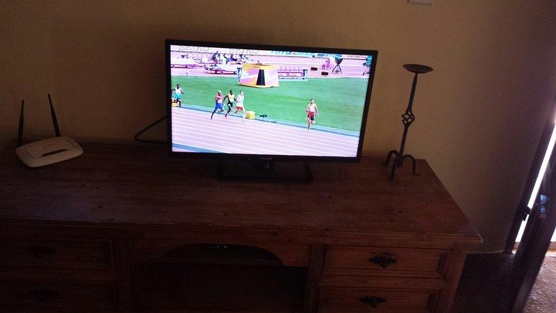 English/Spanish TV