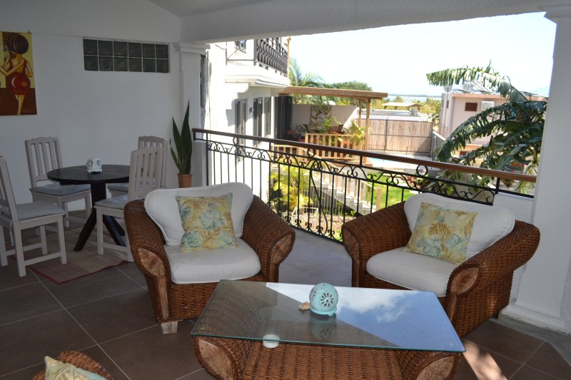 21LG Le Petit Morne La Gaulette Spacious House Sea View & Pool sleeps 4+, location de vacances à La Gaulette
