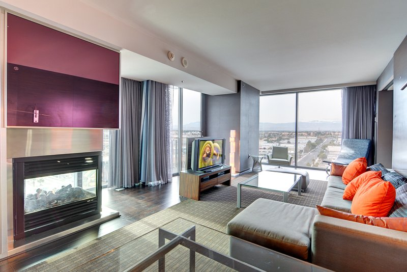 Escape to City of Lights in style when you stay at this 1-bedroom vacation rental condo in Las Vegas!