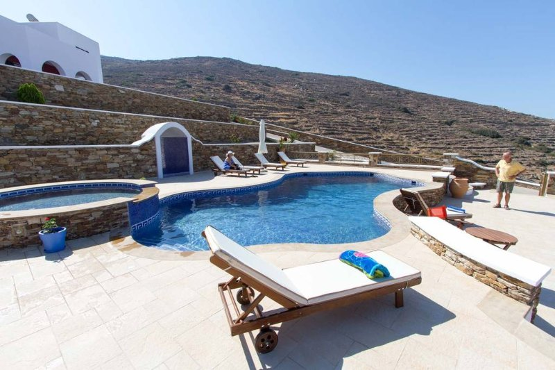 AEGEAN APARTMENT HOPE, vacation rental in Ios