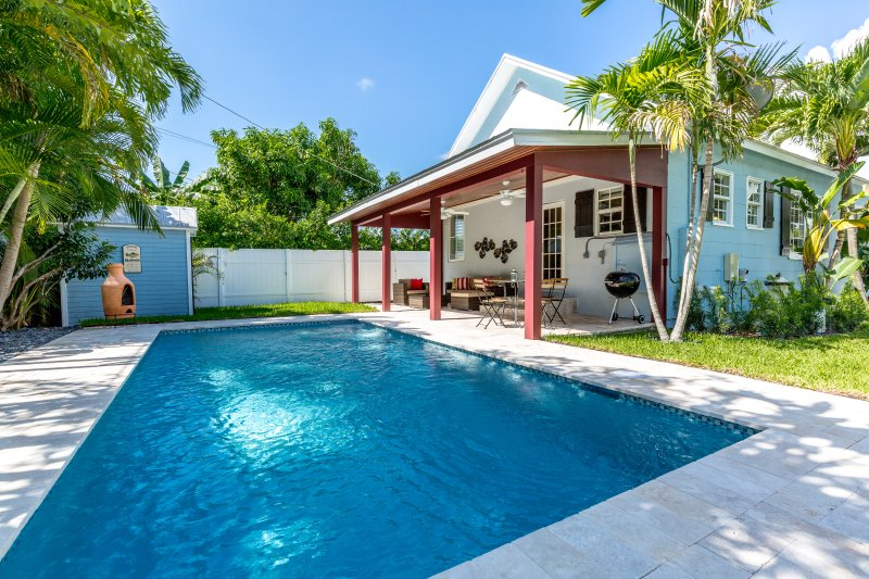 Key West Style Home With A Pool Close To Delray Beaches