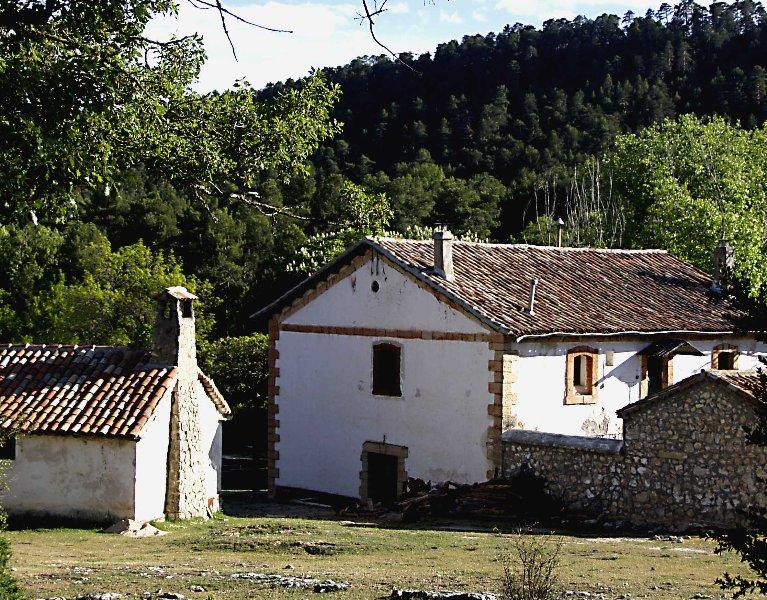Albergue el Cerviñuelo- Alojamiento Madera, alquiler vacacional en Fuertescusa