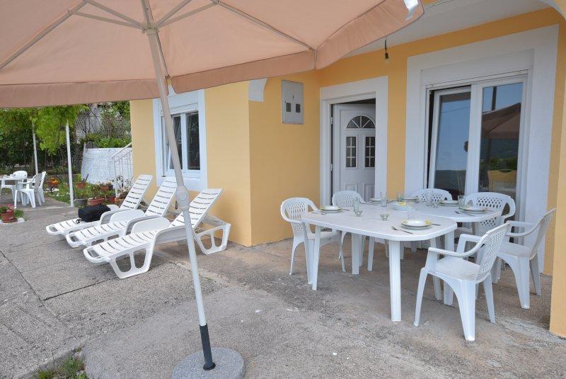 Jantar ou simplesmente lounge na Lower Apartamento Terrace.