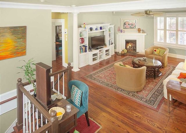 Flexible Refund Policies: Bright w/ Balcony on Gaston near Forsyth, vacation rental in Savannah
