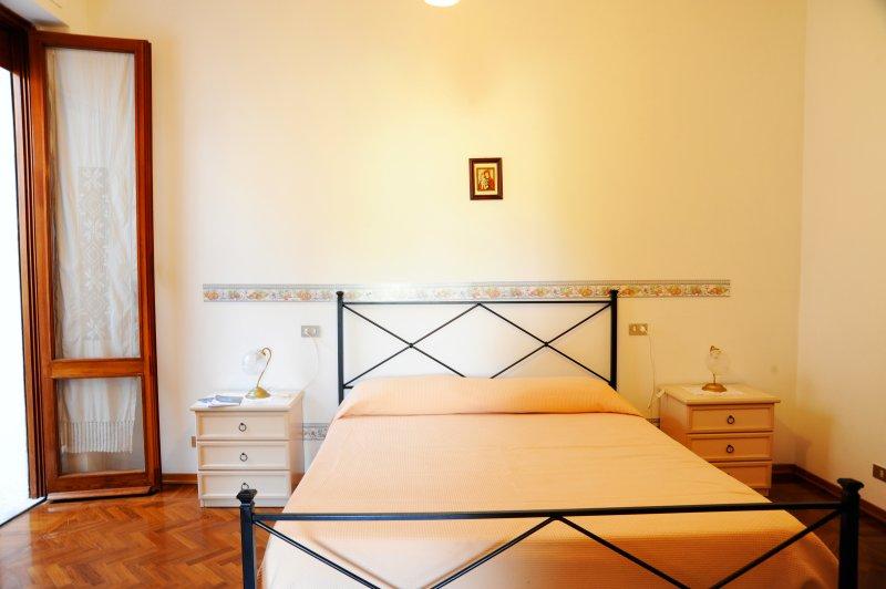 Appartamento 2 camere, giardino privato, holiday rental in Chianciano Terme