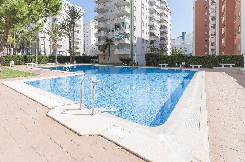 AMBAR - Apartment for 4 people in Playa De Gandia, holiday rental in Grau de Gandia