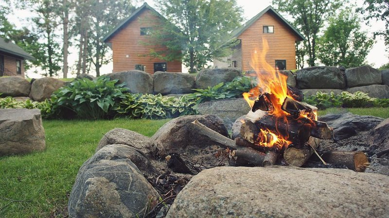 Multi-Family Lakeside Cabins, holiday rental in Grand Rapids