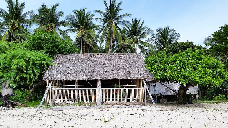 Big Bungalow Hut, holiday rental in Palawan Province
