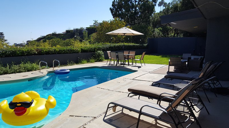 Amazing view , 4 bedrooms house perfect location, holiday rental in West Hollywood