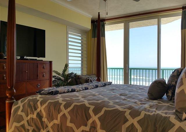 2nd Floor, 3 bed/3 bath Direct Oceanfront Condo, location de vacances à Daytona Beach
