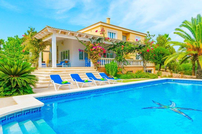 CASA BONITA (SES SALINES) - Villa for 8 people in Ses Salines, holiday rental in Colonia de Sant Jordi