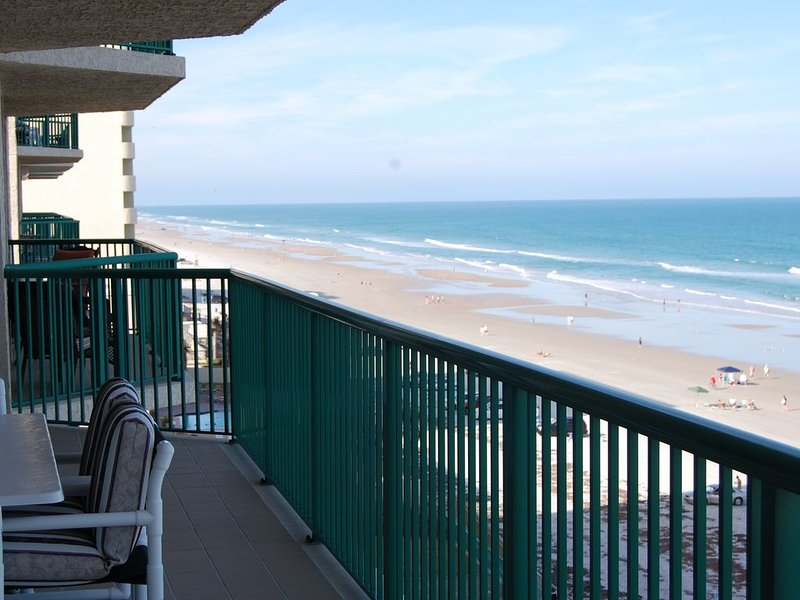 Oceanfront Luxury Condo, 2 Oceanfront Master Suites DTT #606, location de vacances à Daytona Beach Shores