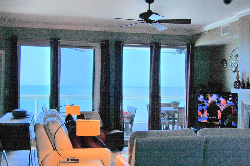 3/2.5 2 Oceanfront Master Suites, Huge Balcony OV #608, location de vacances à Daytona Beach Shores