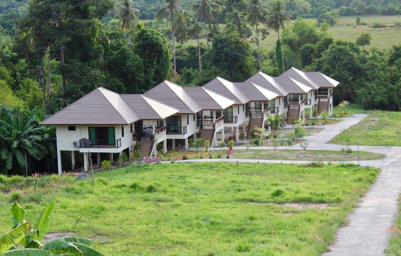 Hauschild's Mountain View Private House, aluguéis de temporada em Na Mueang