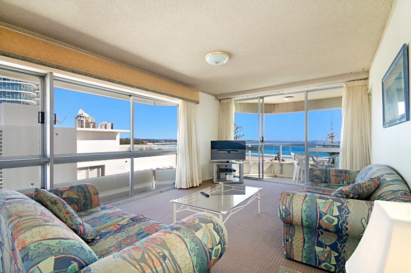 Kooringal Unit 18 - Great views and easy walk to Tweed Heads and Coolangatta, vacation rental in Gold Coast