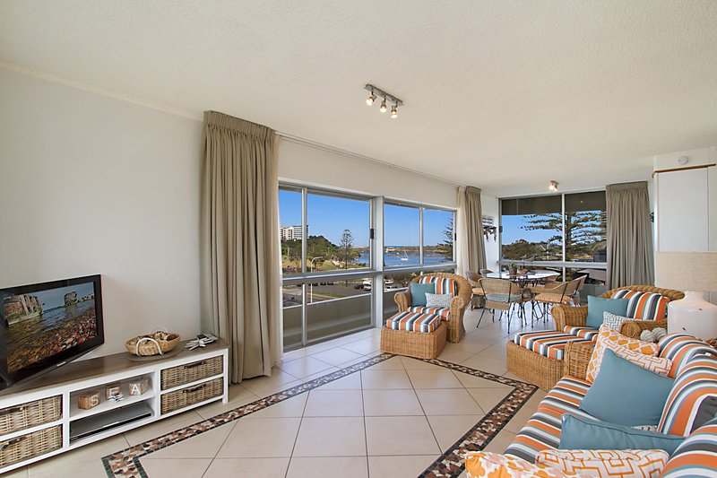 Kooringal unit 14 - Right in the centre of Coolangatta and Tweed Heads with Wi-F, vacation rental in Gold Coast